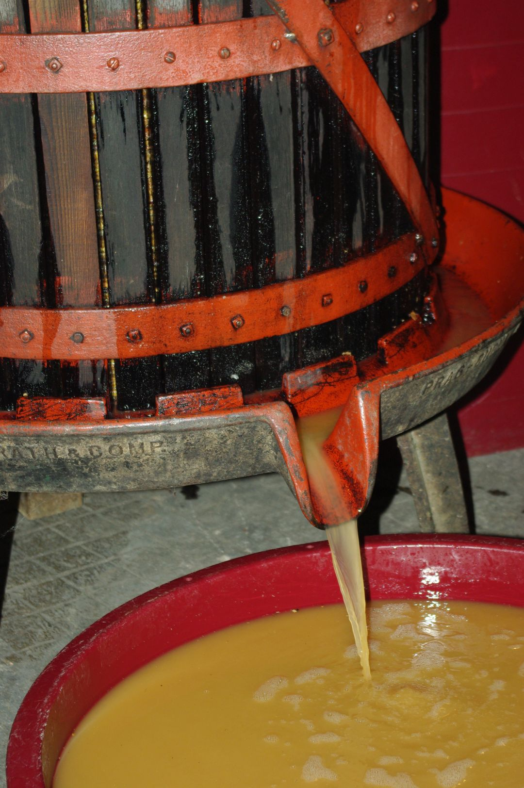 orange wine press
